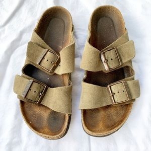 Birkenstock Arizona Footbed Sandal Women's size 6